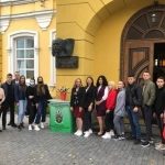 Адміністрація інституту, студенти та співробітники бібліотеки взяли участь у покладанні квітів до барельєфу письменника Михайла Коцюбинського